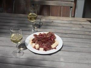 Weißwein mit Fleisch: das schmeckt!