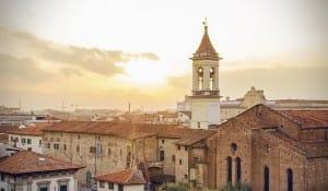 Italienische Dächer beim Sonnenuntergang