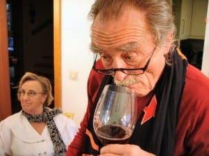 Wein Geschmack und Geruch mit der Nase erkunden
